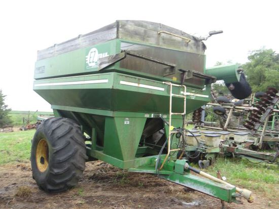 EZ Trail 475 Grain Cart