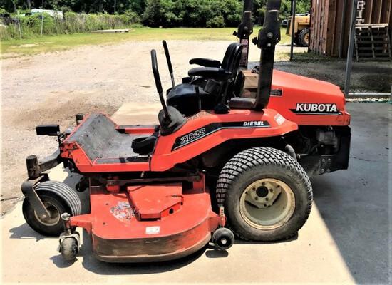 Kubota ZD28 zero turn mower, diesel engine