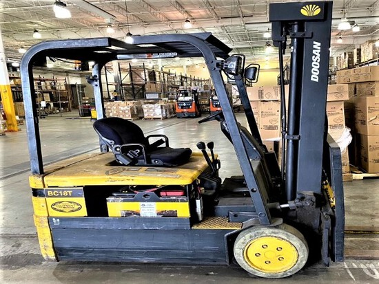 Daewoo model BC18T electric warehouse forklift