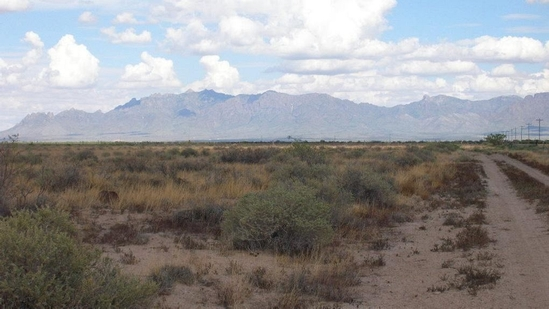 INCREDIBLE 10 ACRE IN LUNA COUNTY, NEW MEXICO INVESTMENT PROPERTY! BID AND ASSUME FORECLOSURE!