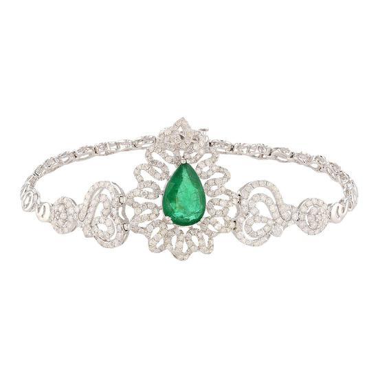 APP: 22.5k 2.75ct Emerald and 3.19ctw Diamond 14KT.White Gold Bracelet (Vault_R10_22313)