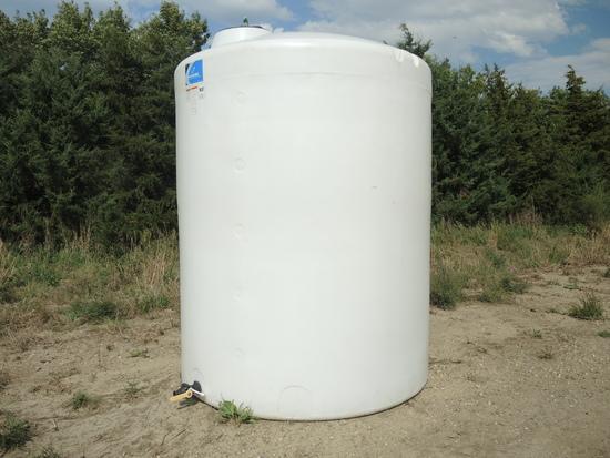 2750 Gallon Poly Tank w/Ball Valve