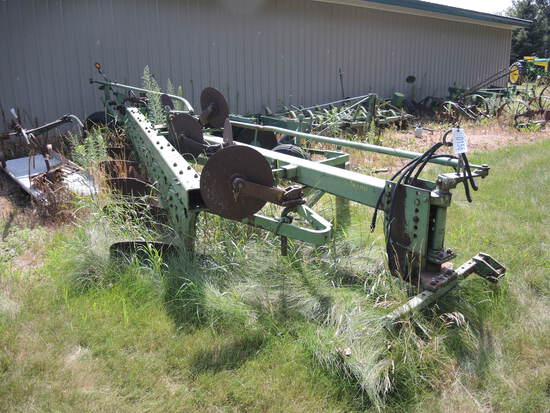JD 1350 6B Plow w/ Coulters, #12500