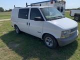 2001 Chevy Astro Van White