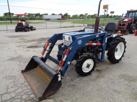 Mitsubishi D1600FD with Loader