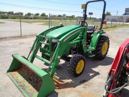 John Deere 3320 with loader SN LV3320H130574