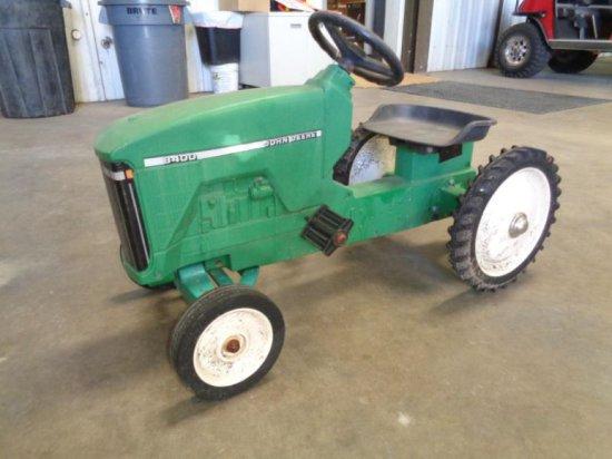 John Deere 8400 Pedal Tractor