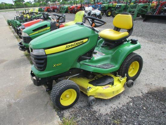 John Deere X320 Riding Lawn Tractor