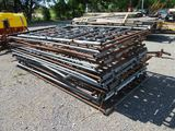 19 10' Galvanized Panels with 1- 4' Gate
