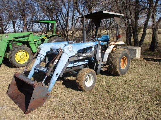 Ford 1720 with Laoder SN UL33803