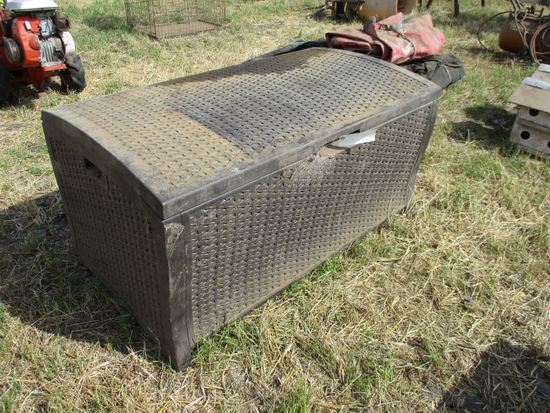 Patio Box with Cushions