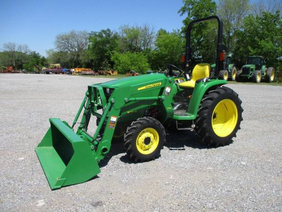 John Deere 3032E with Loader SN 1LV3032EHFH711961