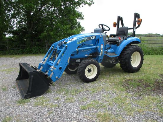 LS XJ2025 with Loader SN 2258000299