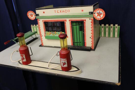 1930's Texaco service station by Rich toys