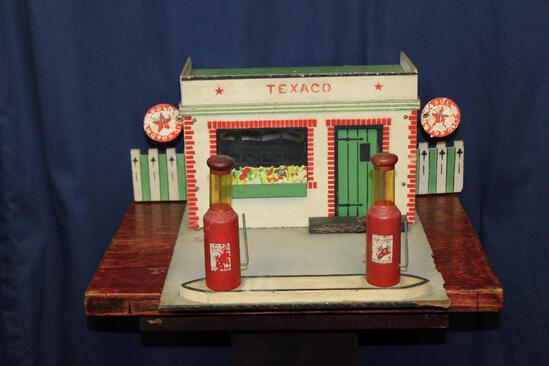 1930's Texaco Service station by rich toys (small)