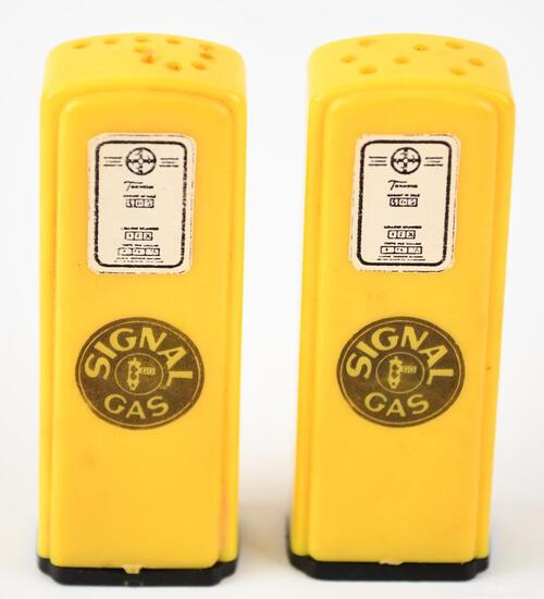 Signal Plastic Gas Pump Salt & Pepper Shaker Set