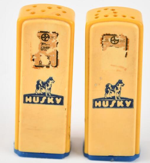 Husky w/ Logo Plastic Gas Pump Salt & Pepper Shaker Set