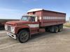 1968 Ford 800 tandem axle grain truck
