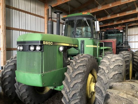 JD 8650 4WD tractor