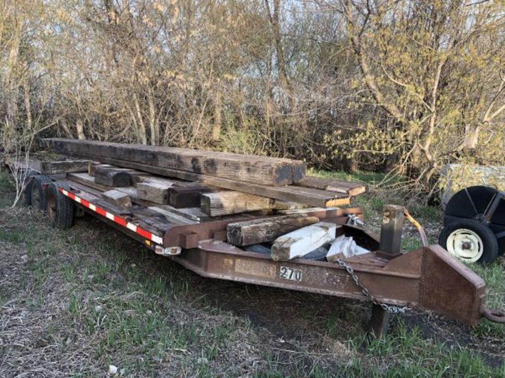 Heavy duty construction trailer