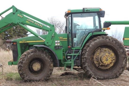 2001 JD 8410 MFWD tractor