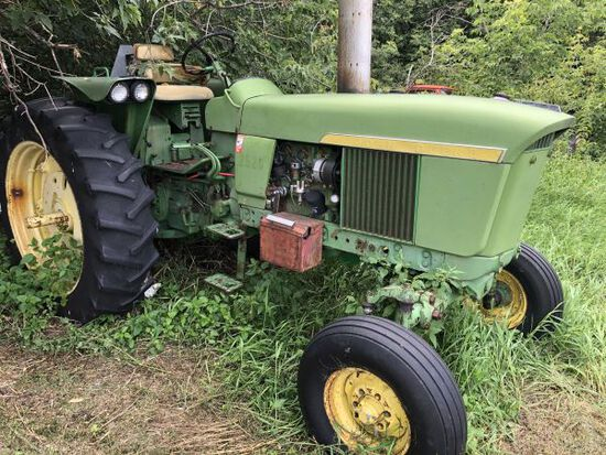 JD 2520 tractor