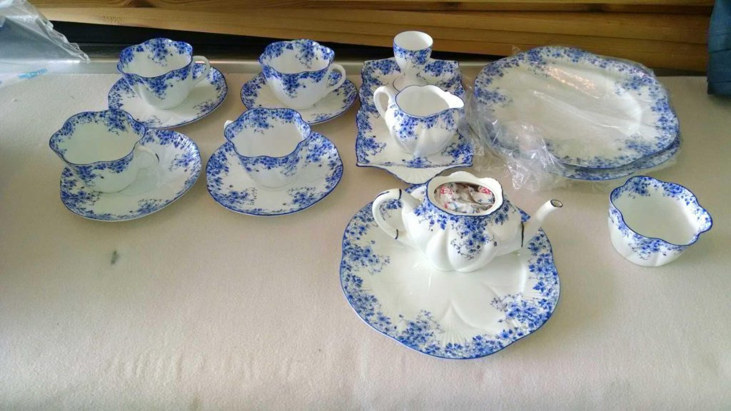 Large Online Only Collectible and Vintage Auction