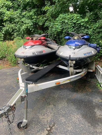 Lot of two Polaris Jet Ski's with trailer 2001's
