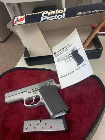 Smith and Wesson Center fire 9 mm pistol