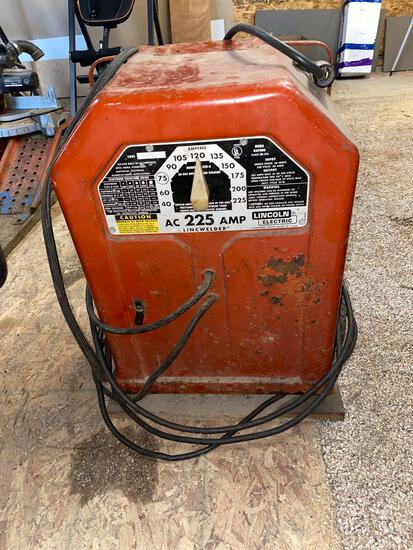 Lincoln arc welder AC 225 works see pictures
