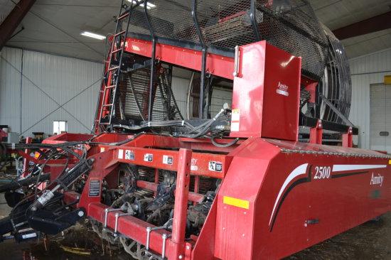 2013 Amity 2500 6R30 Beet Harvester
