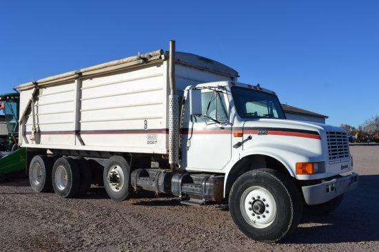 1996 International 4900 Truck