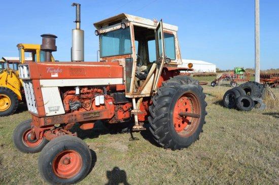 IH 1466 Tractor,