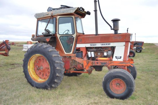 IH 1066 Tractor