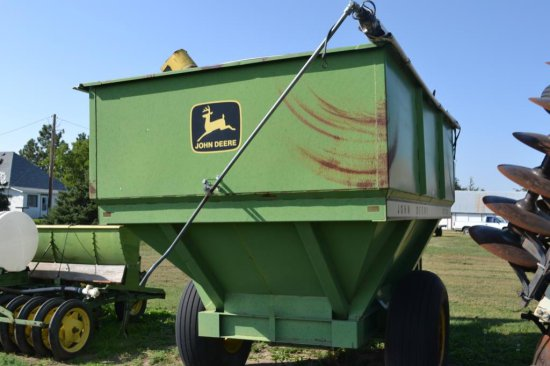 JD 1210 A 400 BU. Grain Cart