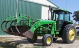 COMBO - 1980 4440 Tractor & JD 725 Loader