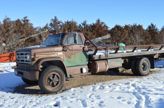 1975 GMC 6000 Truck w/ Flatbed