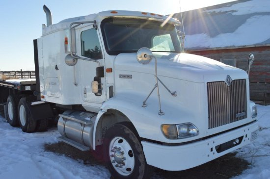 2000 International 9200 Truck