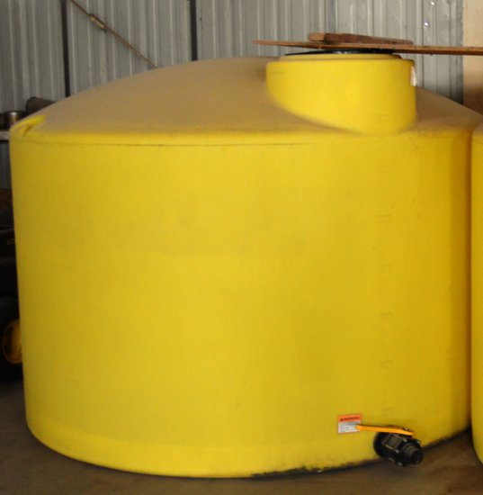 1550 Gal Fertilizer Tank - yellow