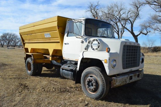 Ford 800 Truck w/ Mohrlang Box, Model 14FM, Scale, 16ft