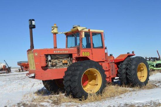 825 Versatile 4WD Tractor