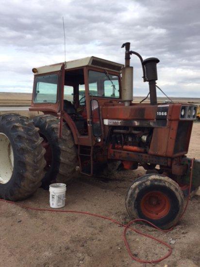 IHC 1566 Tractor