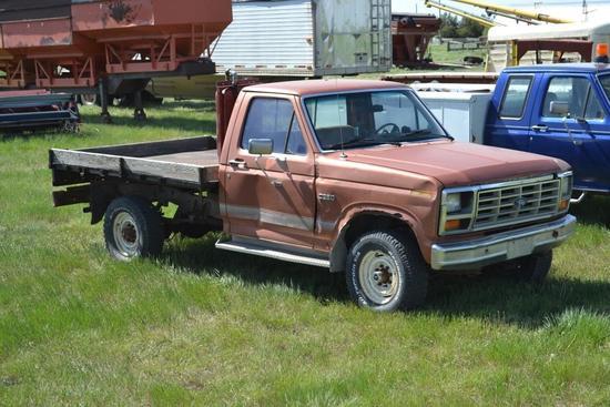 '84 Ford, F250 Pickup, 4WD, 8' Steel Flatbed, Hydraulics