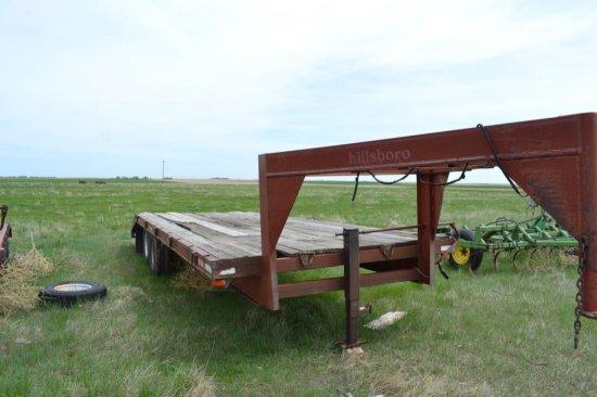Hillsboro GN Flatbed Trailer 20 ft + 4 ft. Dove, Tandem axles