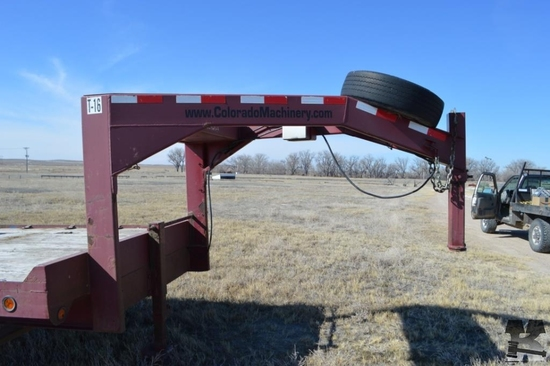 2005 Towmaster 24 ft. GN Trailer