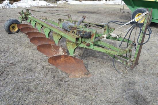 John Deere 3100 6 x 16 in. Bottom Plow