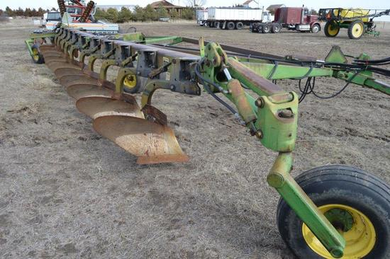 John Deere 3700 10 Bottom Plow