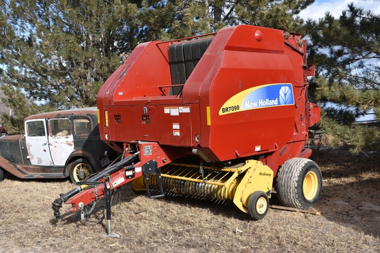 2009 New Holland BR 7090 Baler