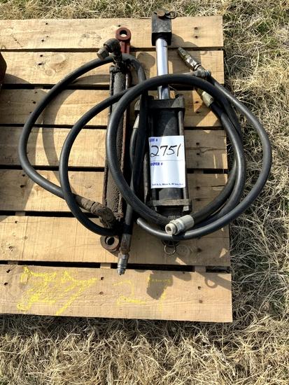 2 Hydraulic Cylinders