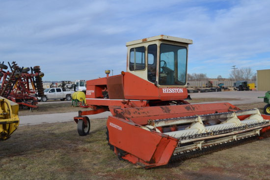 Hesston 6600 Self-Propelled Swather with 14 ft  Header